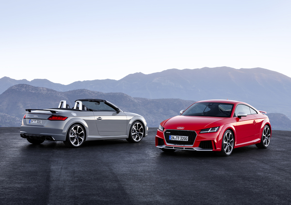 0328_025_Audi_TT_RS_Coupe_and_TT_RS_Roadster_TOP_s.jpg